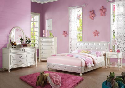 Dorothy Pearl White Upholstered Full Bed w/Dresser and Mirror