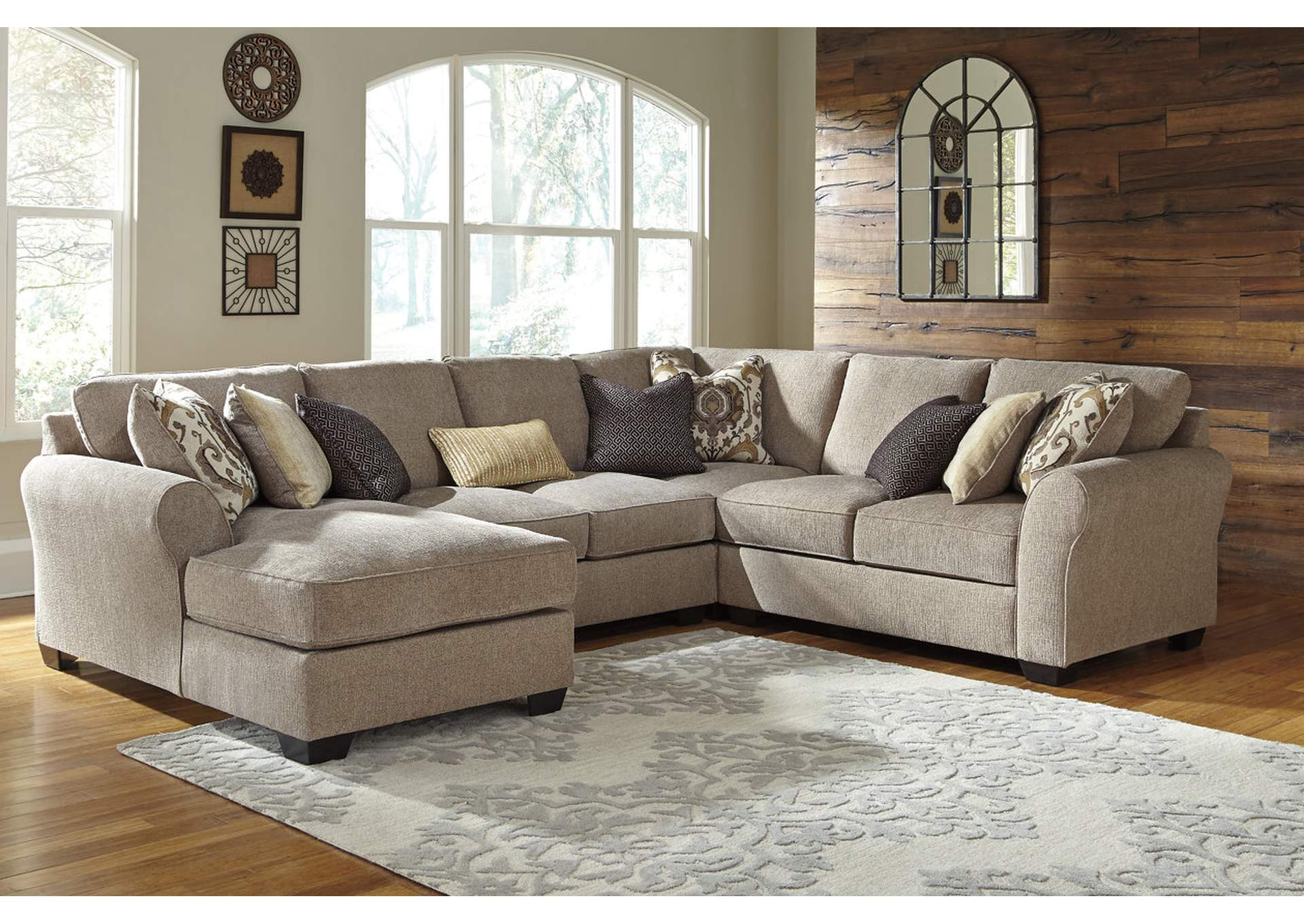 Pantomine Driftwood LAF Chaise Sectional,Benchcraft