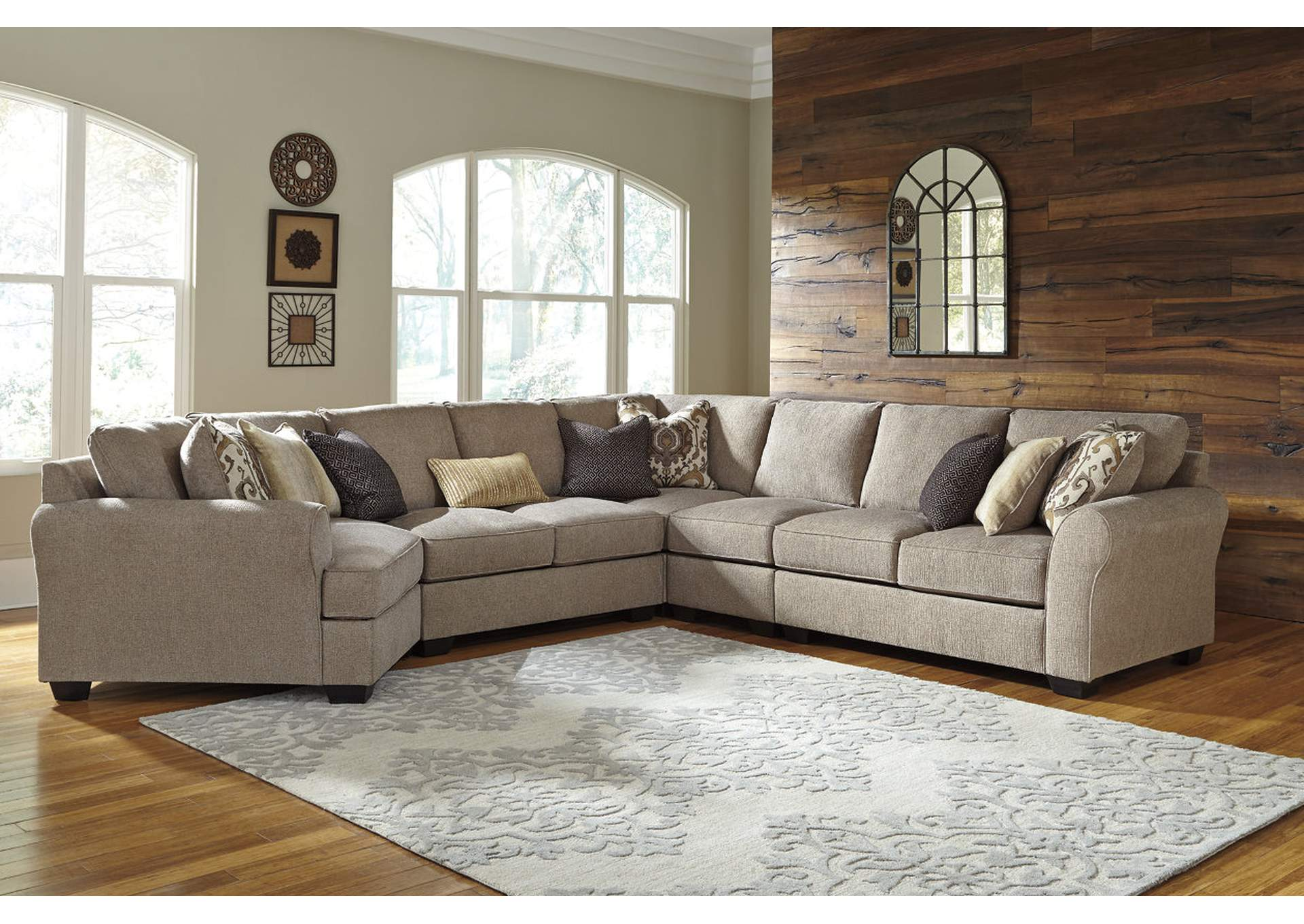 Pantomine Driftwood 5 Piece LAF Cuddler Sectional,Benchcraft