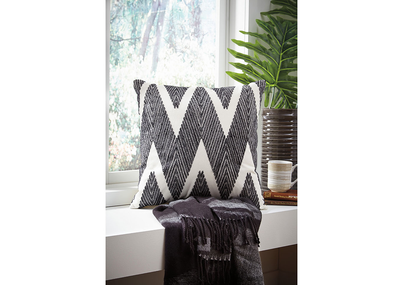 Carlina Black Pillows (4/CS),Signature Design By Ashley