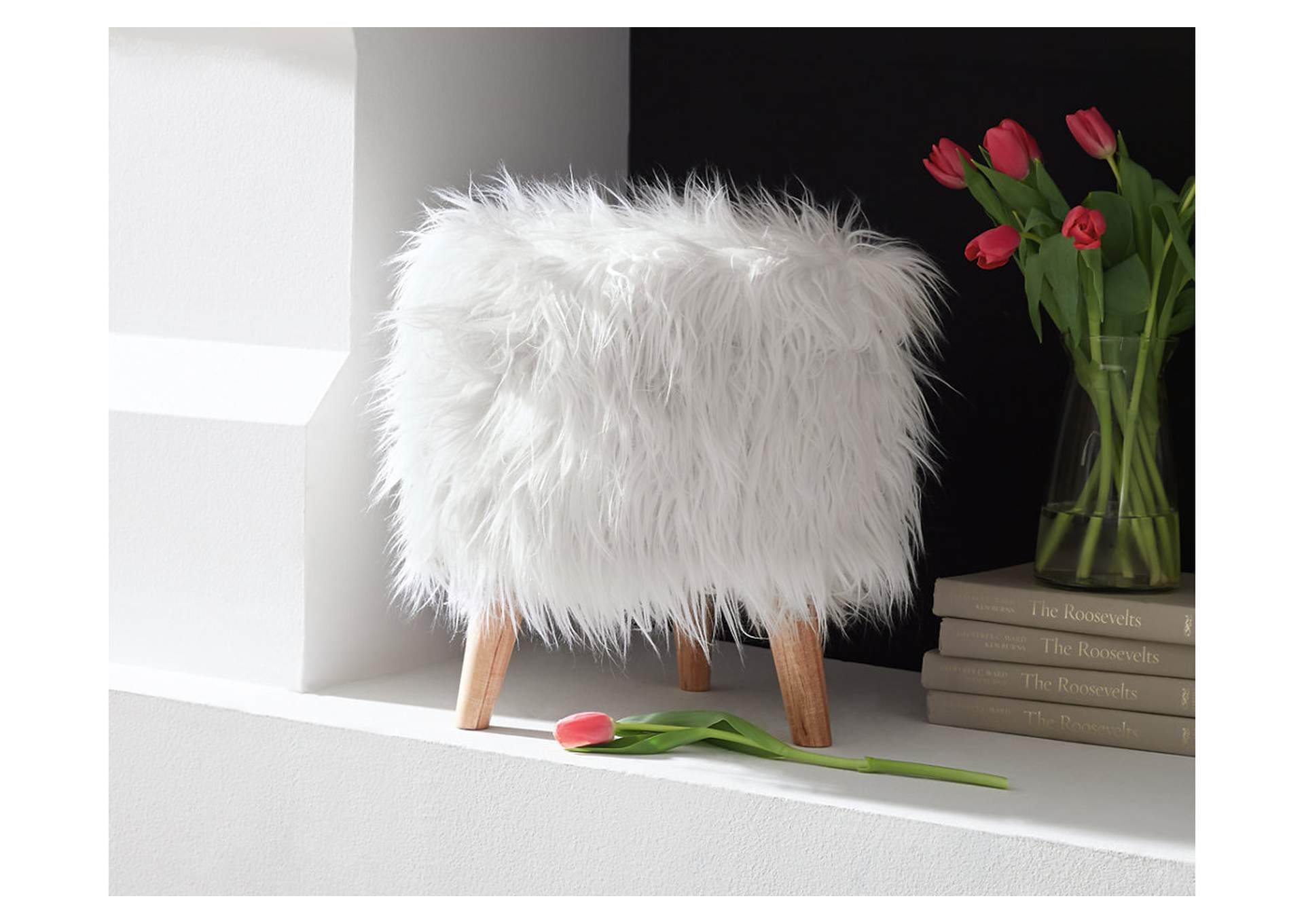 Elson Storage Ottoman,Signature Design By Ashley