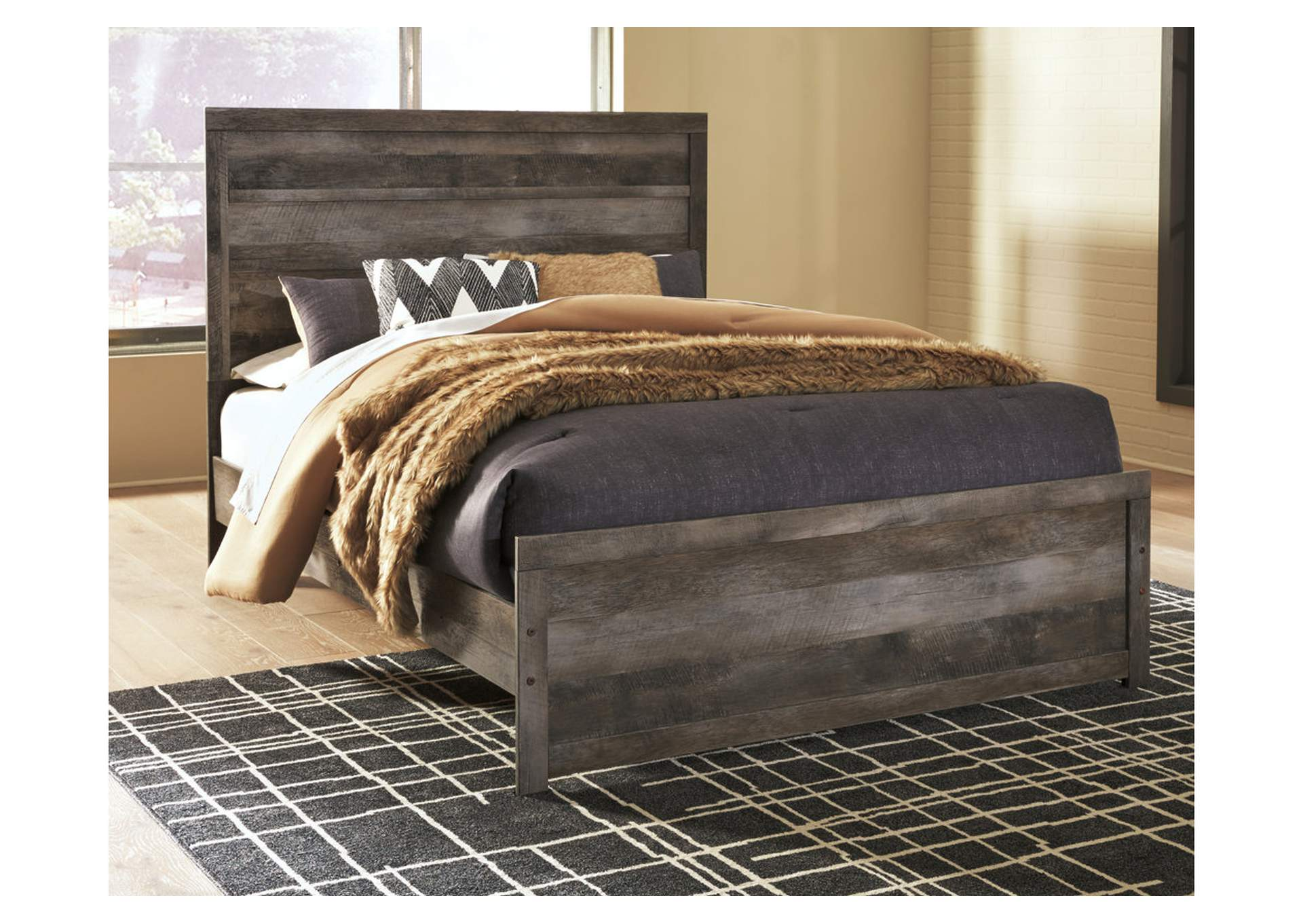 Wynnlow Queen Panel Bed,Signature Design By Ashley