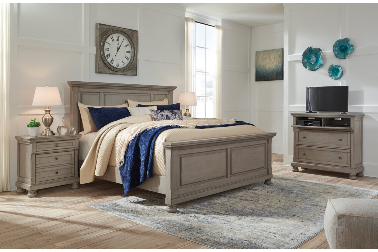 Lettner Light Gray King Panel Bed w/Dresser and Mirror,Signature Design By Ashley