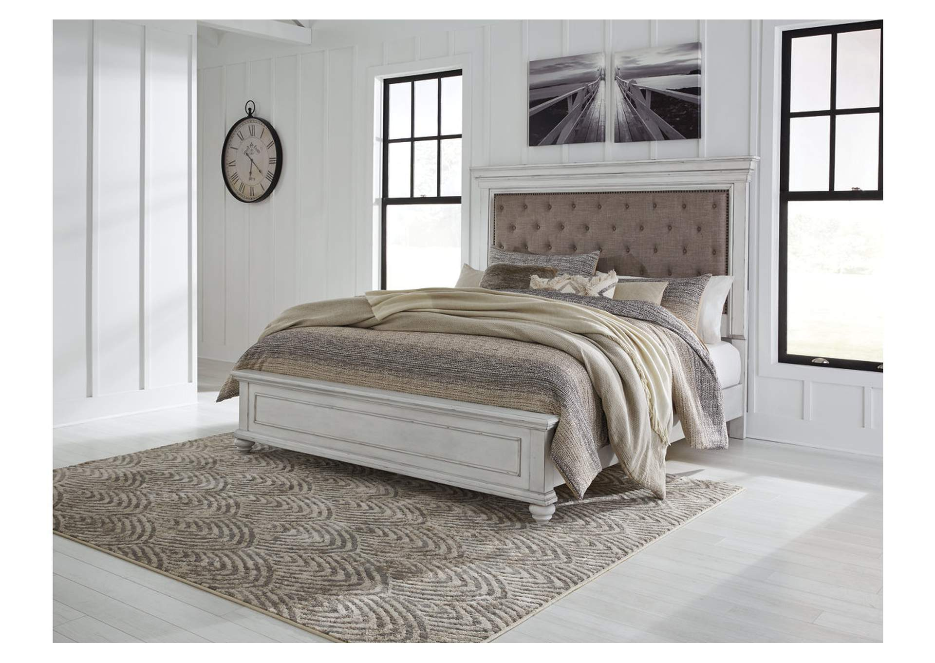 Kanwyn Whitewash Queen Upholstered Panel Bed,Benchcraft