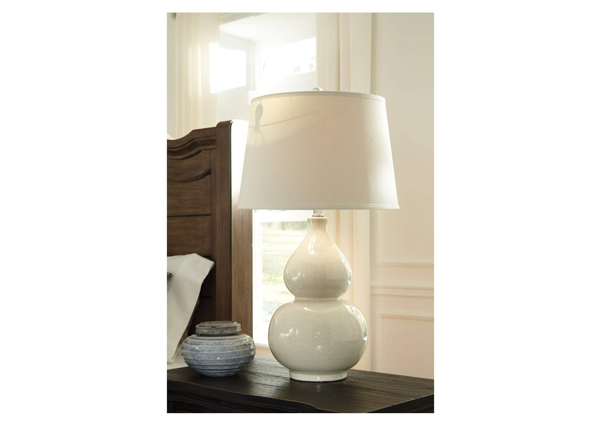 Cream Ceramic Table Lamp,Direct To Consumer Express