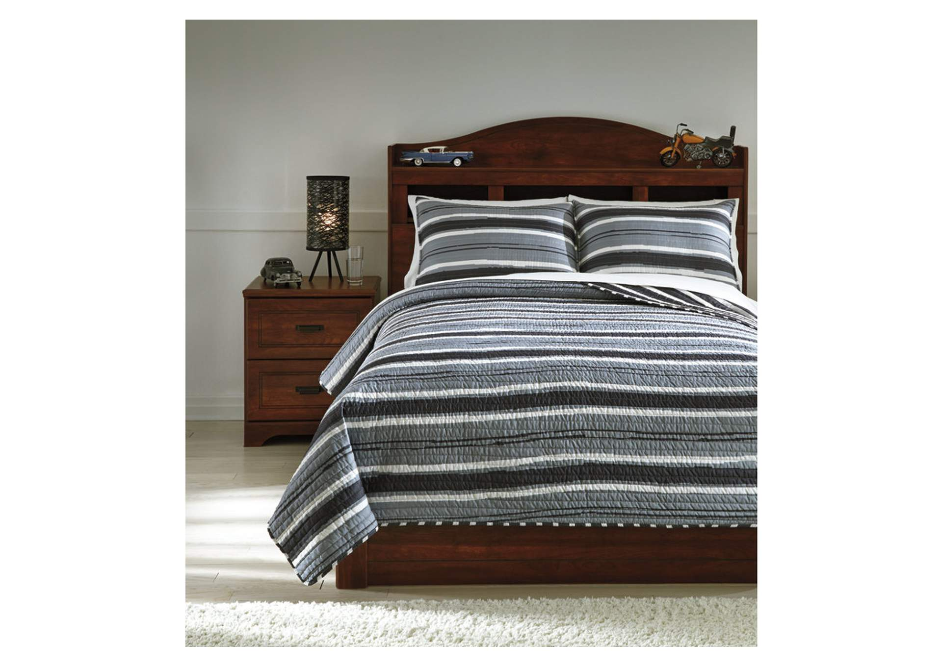 Merlin Gray/Cream Full Coverlet Set,Signature Design By Ashley