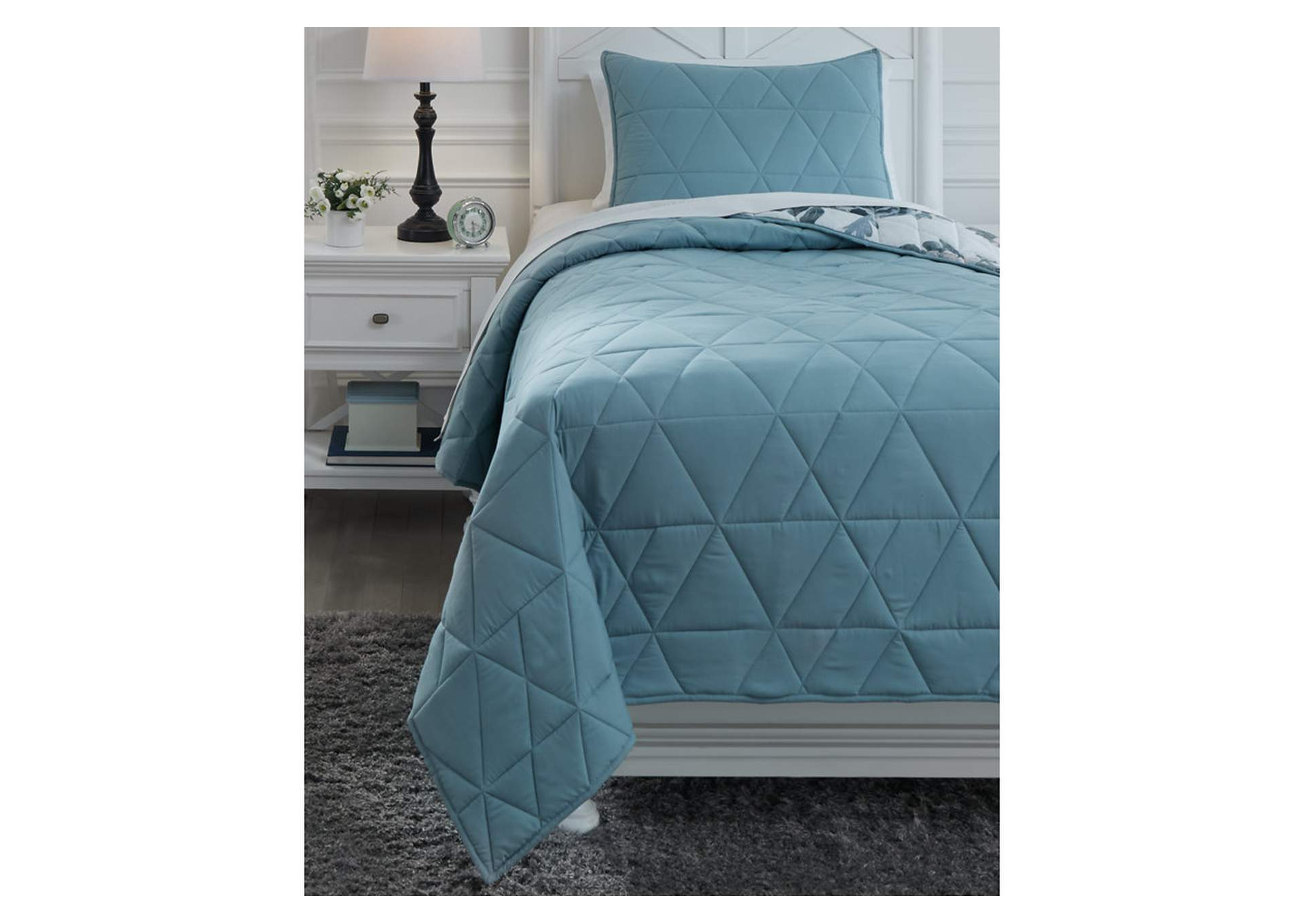 Kiandra Twin Quilt Set,Signature Design By Ashley