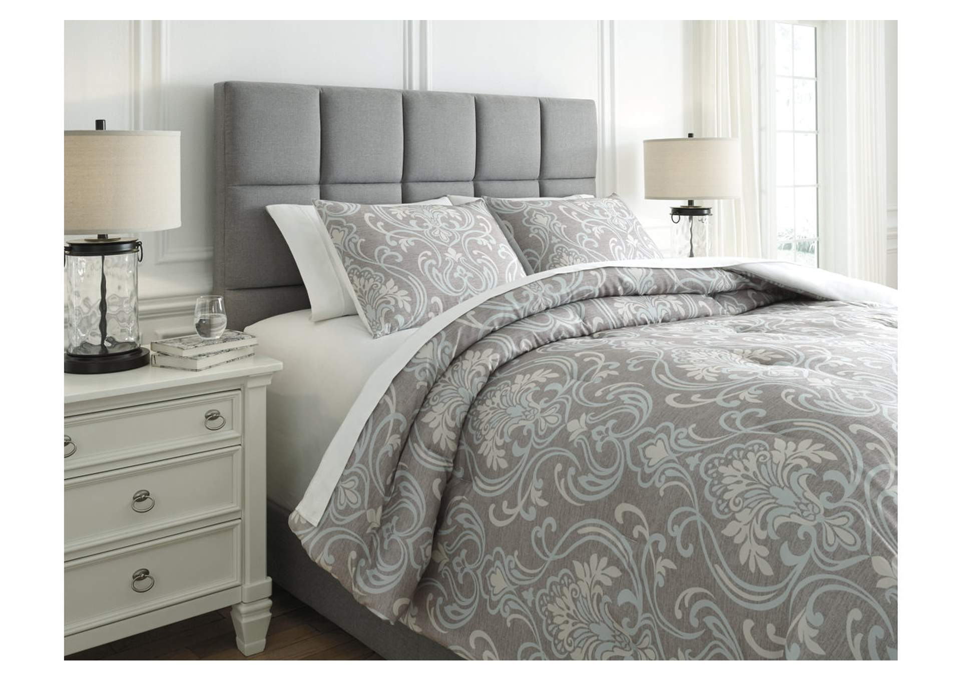 Noel Gray/Tan Queen Comforter Set,Signature Design By Ashley