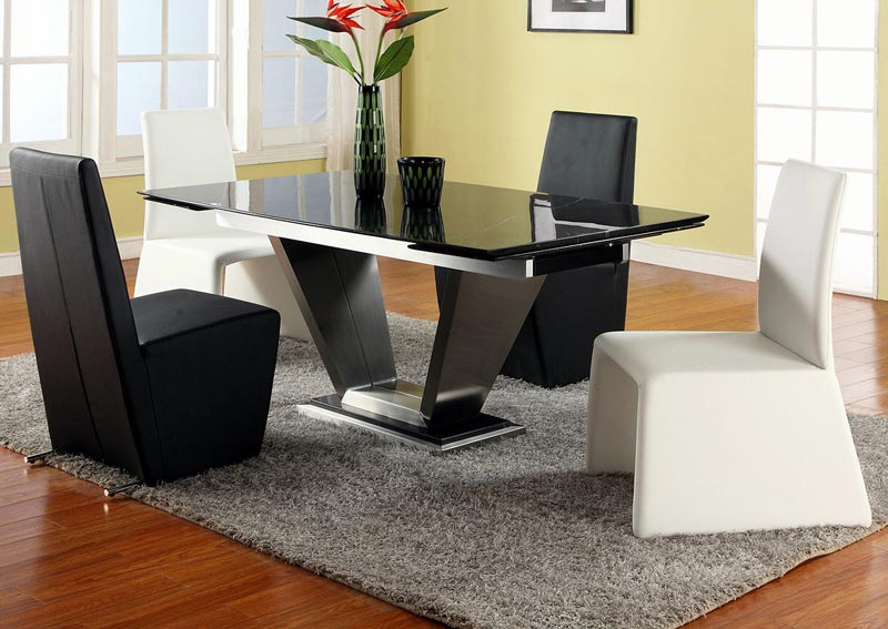 Jessy-Cynthia Grey Dining Table w/4 Side Chairs