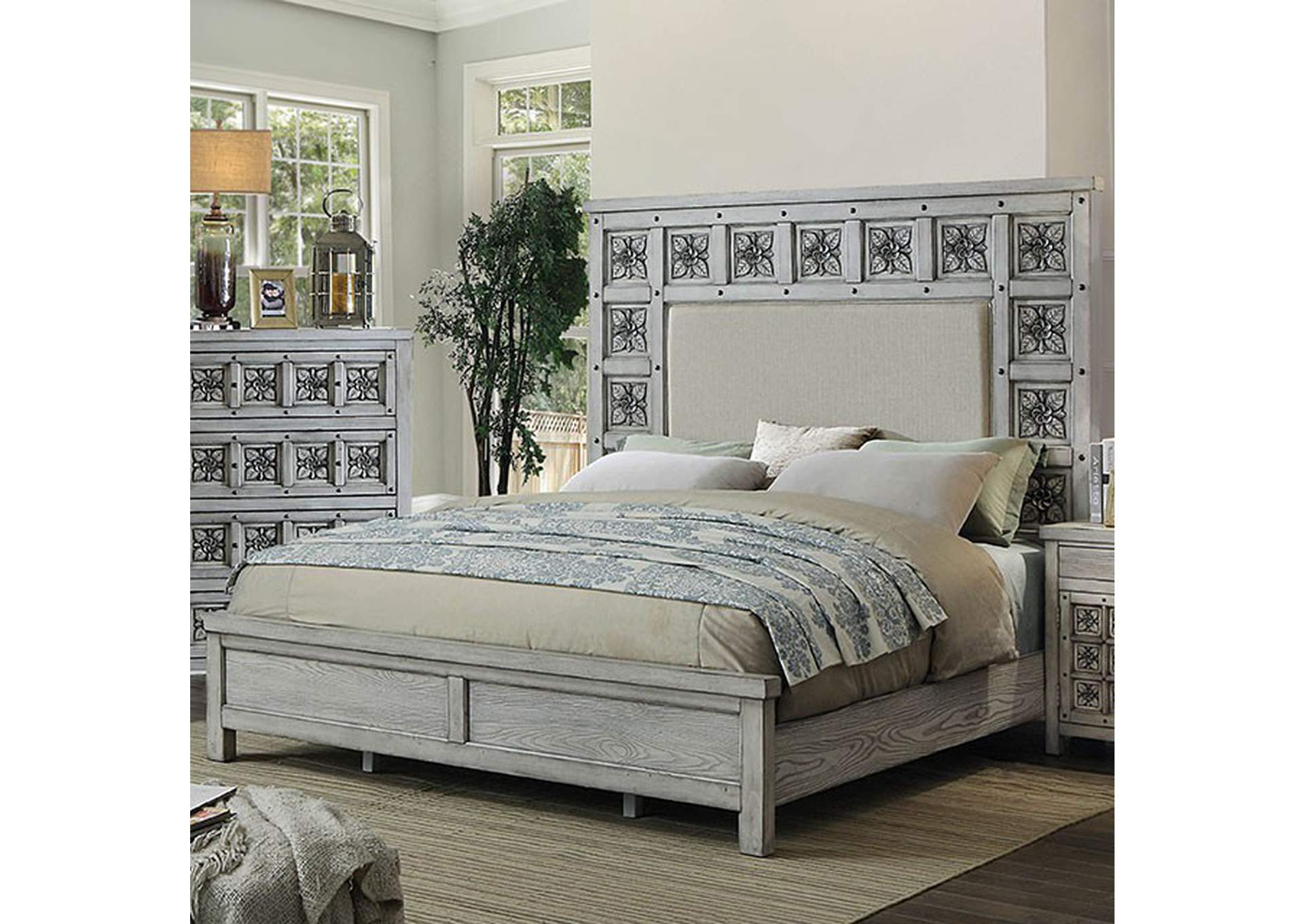 Pantaleon Queen Bed,Furniture of America