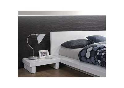 Christie White Queen Platform Bed,Furniture of America