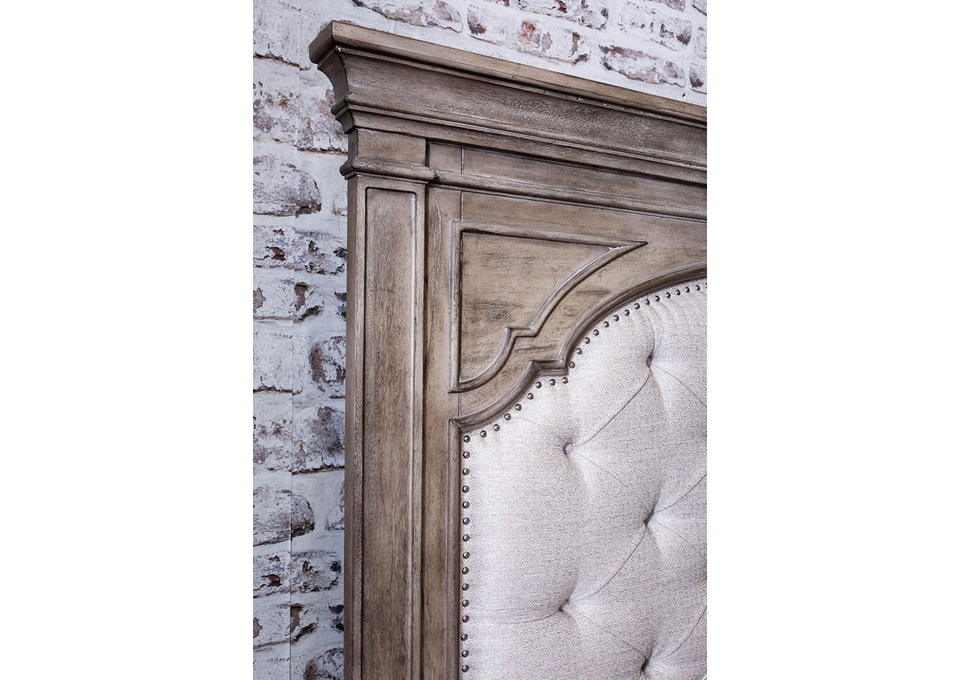 Highland Park Avenue Waxed Driftwood Queen Bedroom Set W Chest Maverick Wholesale Furniture